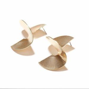 Modern metal spiral drop earrings